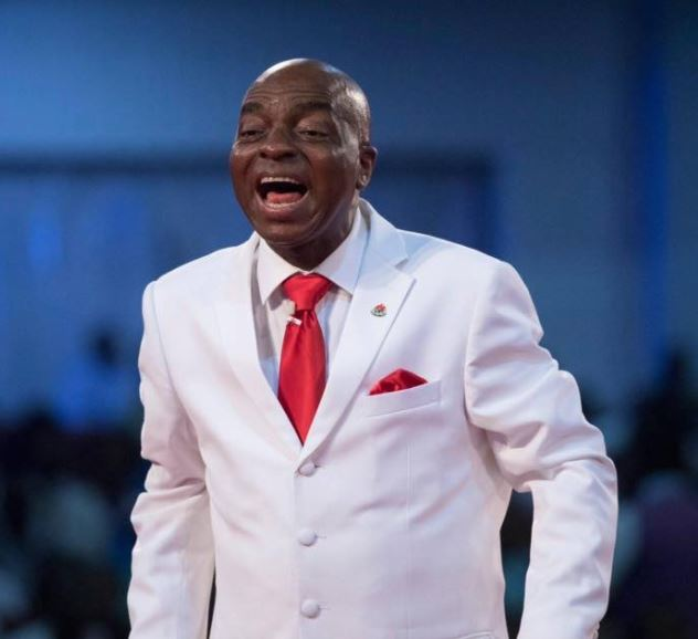 Angel slaps woman for insulting bishop david oyedepo